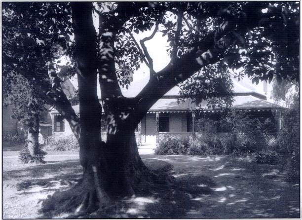 Erskine Villa