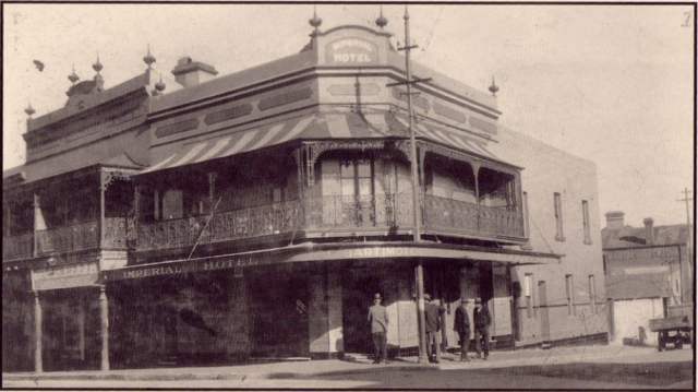 Imperial Hotel Erskineville circa 1930.png