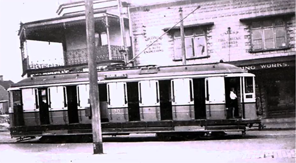 1940 - Tram at Erskineville Five Ways.png